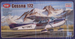 1/48 Cessna 172 civil model aircraft kit with wheel landing gear.