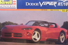 1/25 Dodge Viper RT/10 model car kit.