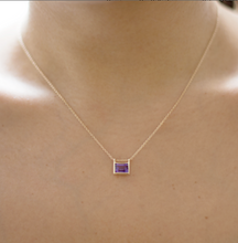 Load image into Gallery viewer, model amethyst pendant