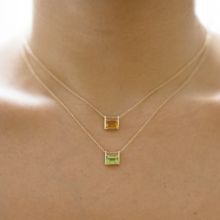 Load image into Gallery viewer, Maru decade necklace on model