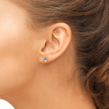 Load image into Gallery viewer, sapphire susie earrings on model