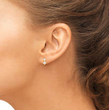 Load image into Gallery viewer, vix earrings on model