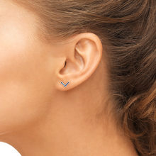 Load image into Gallery viewer, sapphire valor earrings model