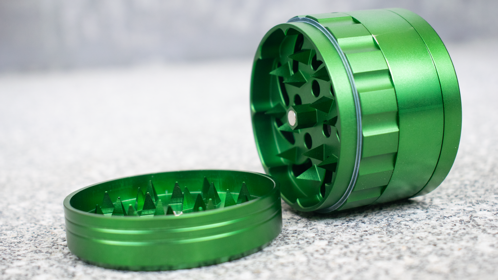 Grinder with spikes