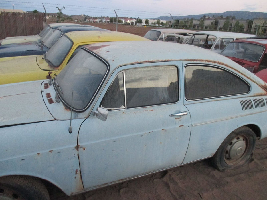 VW Vintage Classic Type III Fastbacks and Squarebacks for Sale.