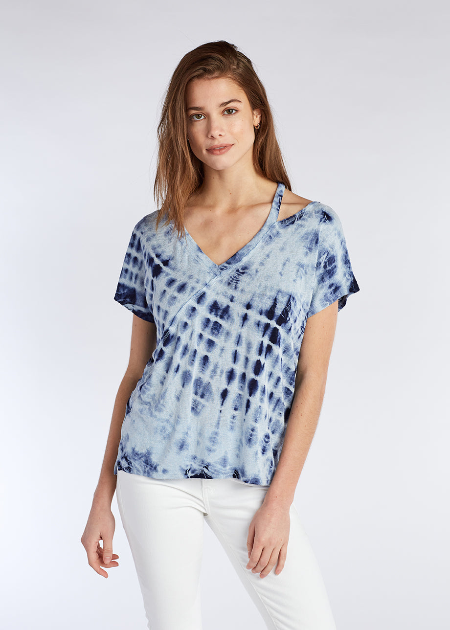 CUT OUT V NECK TEE