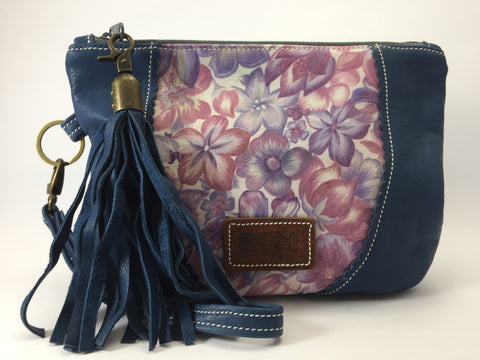 Take Me Everywhere Clutch - Navy