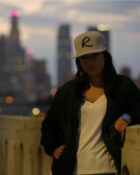 Heather Grey & Navy Signature Snap Back