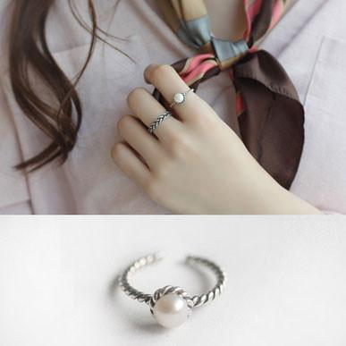 Vintage Plated Pearl Square Hollow Totems Dot Design Silver Open Ring