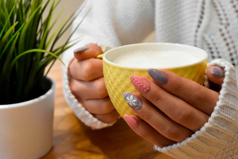 Sparkle on new year's eve with your nails thanks to these tips and recommendations