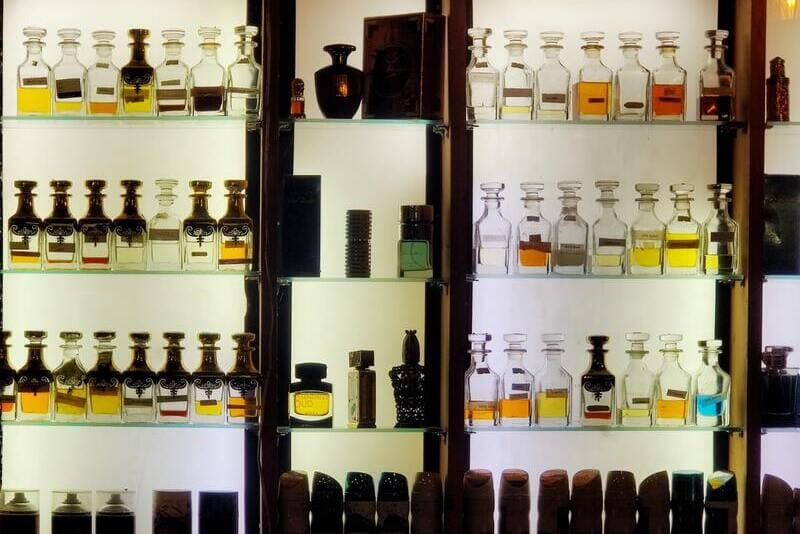 Best Arabian perfumes and the story of the origins of fragrances in Arabia