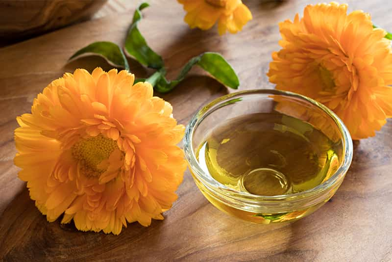 Natural cosmetics based on essential oils are the best choice you can make for your skin