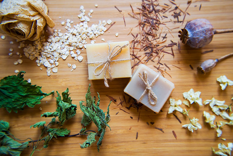 We explain how to make soap with used oil with these steps and ingredients