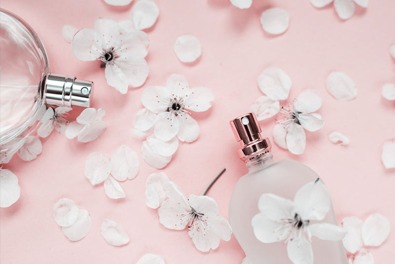 Long-lasting perfumes for women intense and full of elegance and glamor