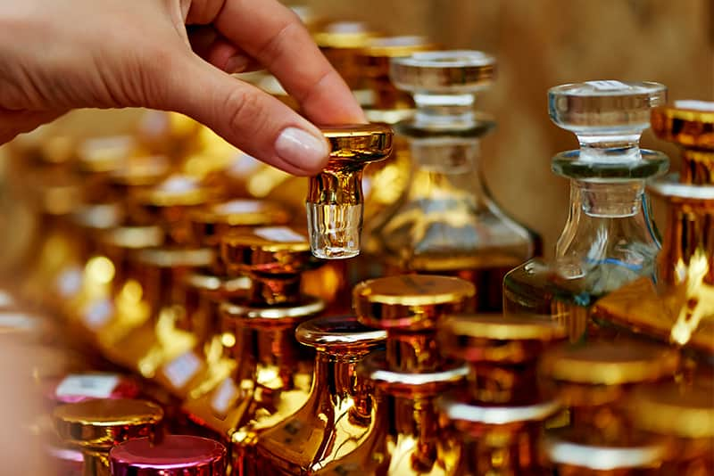 This is the ingredient that can not be missing in any Guerlain perfumes