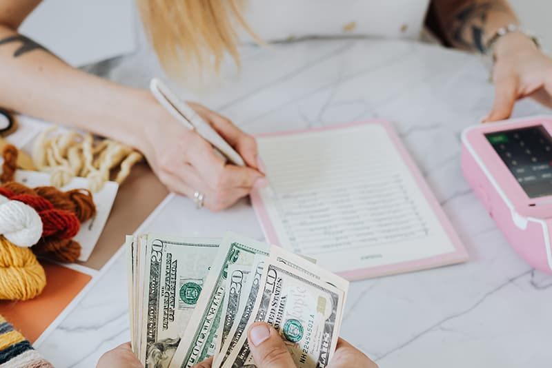 Control your expenses to save money at home