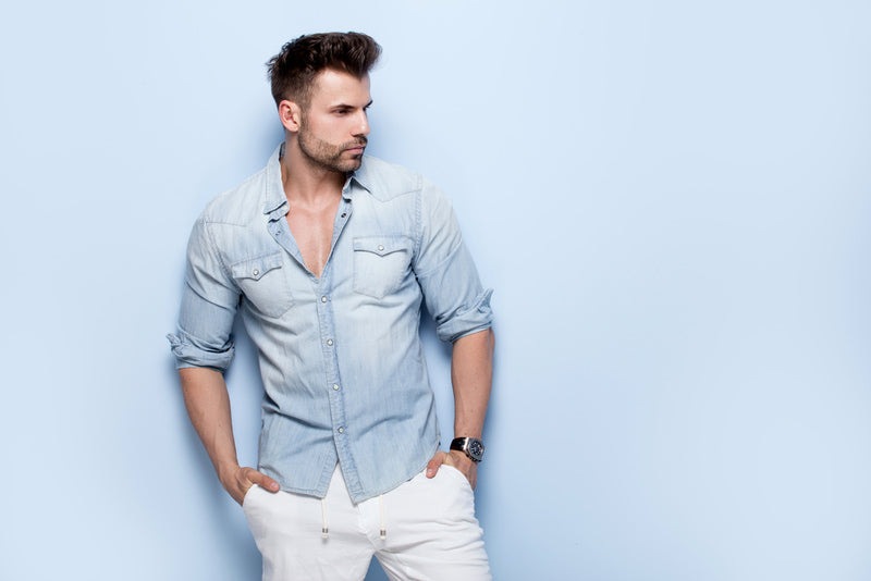 Learn to how to wear a denim shirt, the item that never goes out of fashion