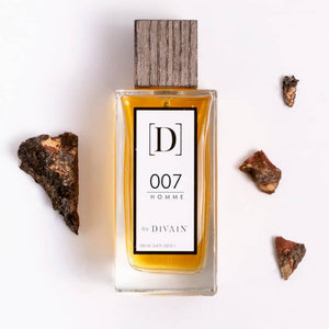 A n evening fragrance for men woody with notes of lemon