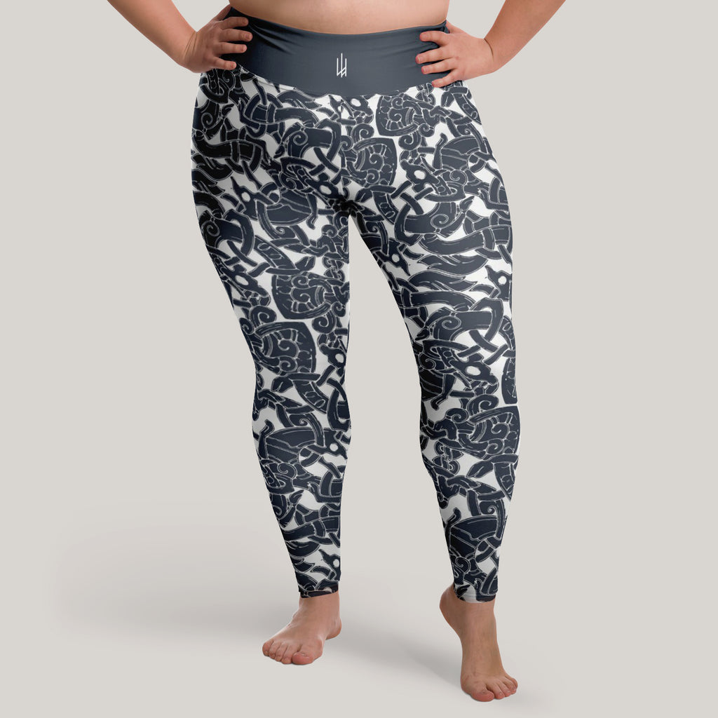 Jelling Wolf Pattern Leggings (Plus Size)