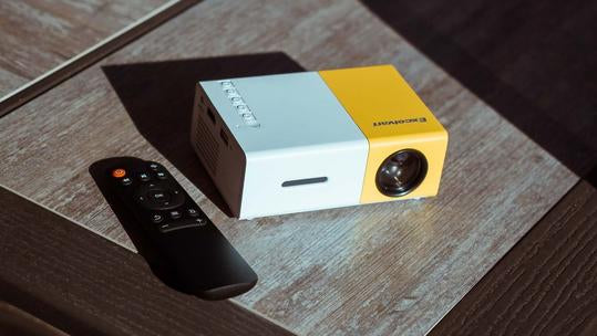 SLEEK THEATERS™ - ORIGINAL PORTABLE POCKET PROJECTOR