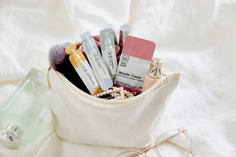 Wo skincare -  skin cleansing in a make-up bag