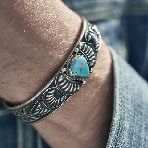 SPECIAL DEAL: NAVAJO KINGMAN TRIANGLE TURQUOISE SILVER CUFF