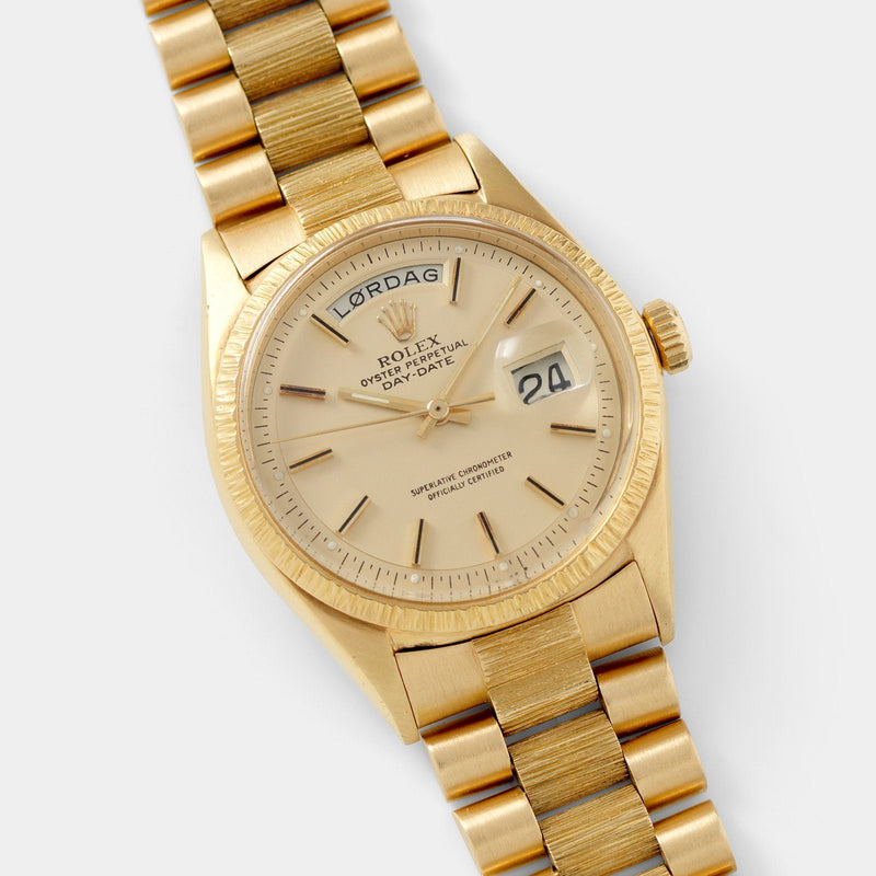 Rolex Day-Date Champagne Dial Yellow Gold 1807 with Bark effect beze
