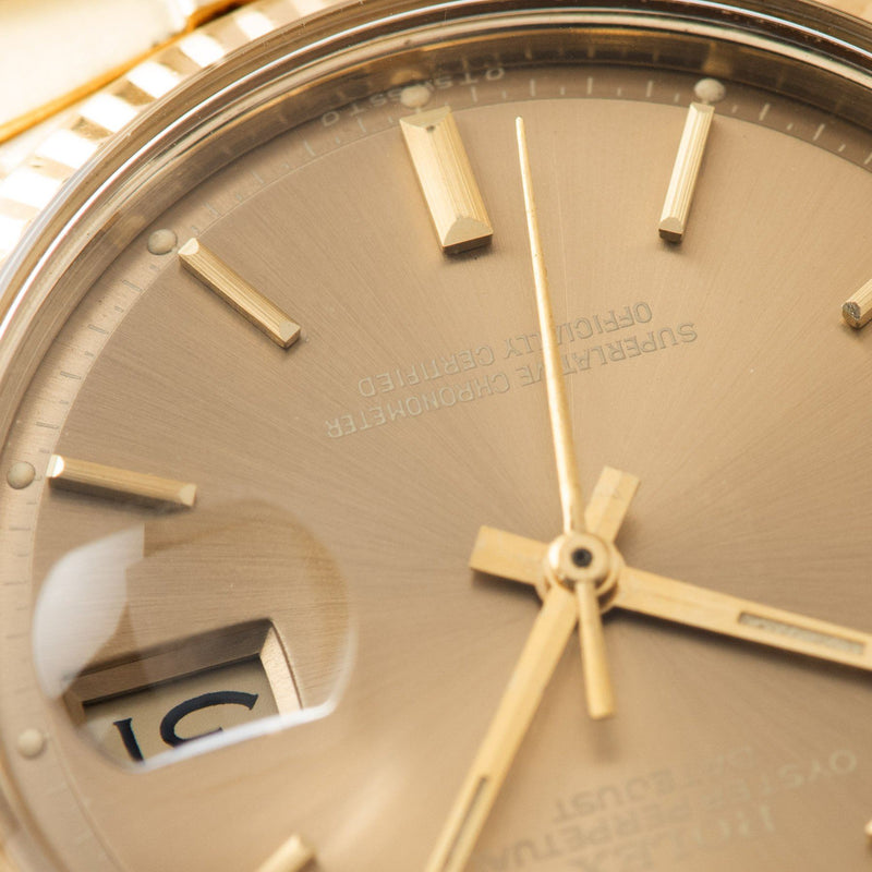 Rolex Datejust 14kt Yellow Gold 1601 Tobacco Dial with with crisp white text