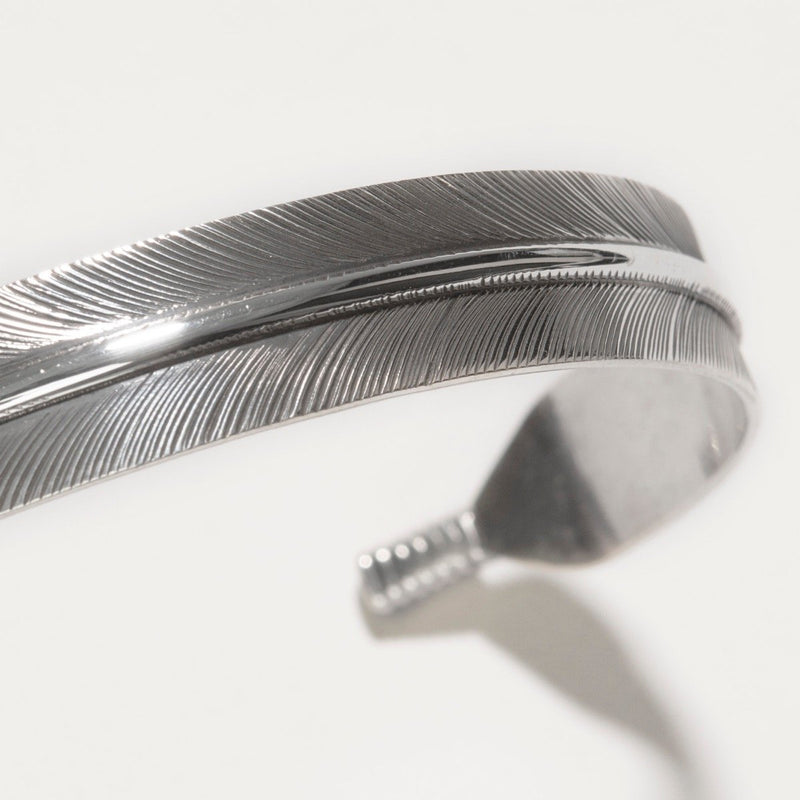 Navajo Medium Feather Silver Cuff