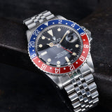 CURATED ROLEX 1675 GMT MAXI DIAL WITH PAPERSCURATED ROLEX 1675 GMT MAXI DIAL WITH PAPERS