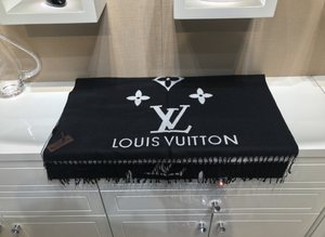 LV Scarf Large Black & White