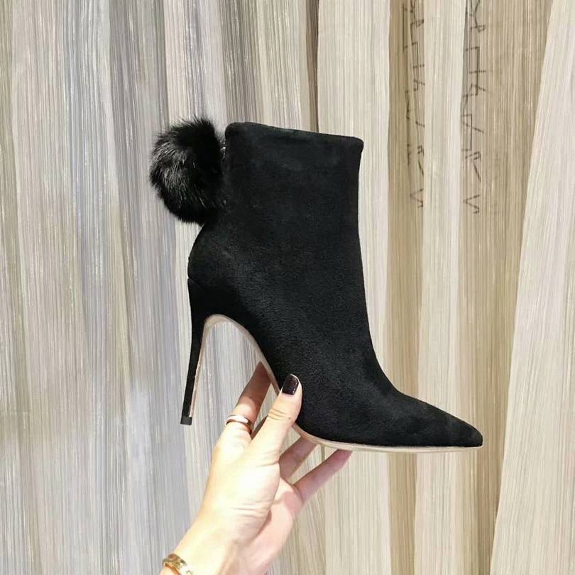 Jimmy Choo (Black booties)
