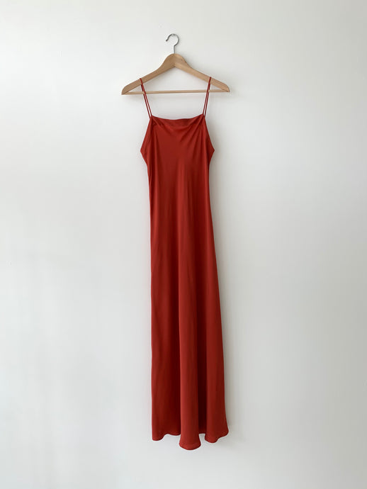 LONG SILK SLIP | RUST