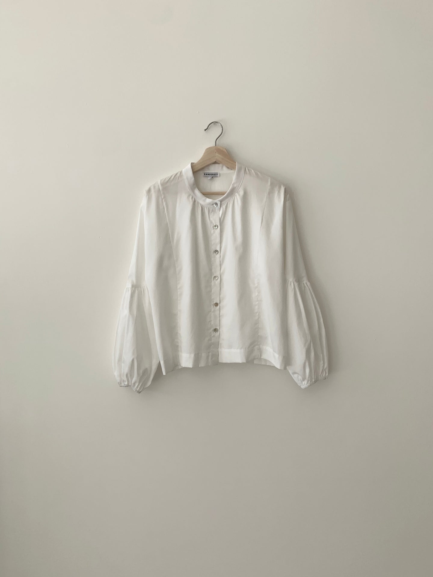 KAMPERETT | FEROU COTTON LAWN BLOUSE | WHITE