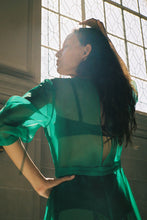Load image into Gallery viewer, KAMPERETT STENT DRESS | SILK ORGANZA | KELLY GREEN