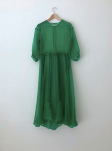 KAMPERETT STENT DRESS | SILK ORGANZA | KELLY GREEN