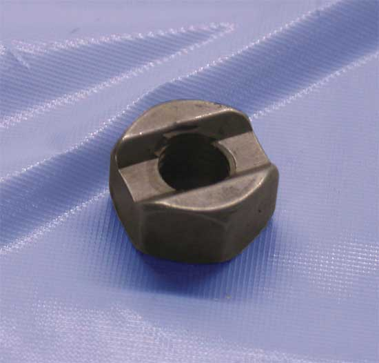 Clutch Hub Stud Nut (Big Twin 10 Spring Clutch)