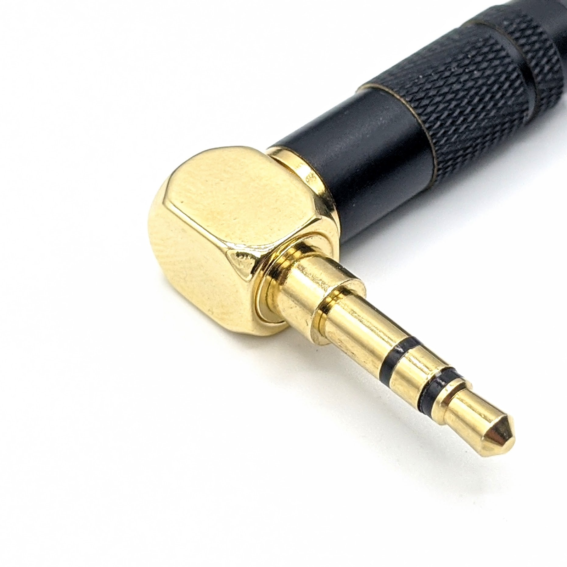 HC-3: 90° 3.5mm TRS Headphone Cable
