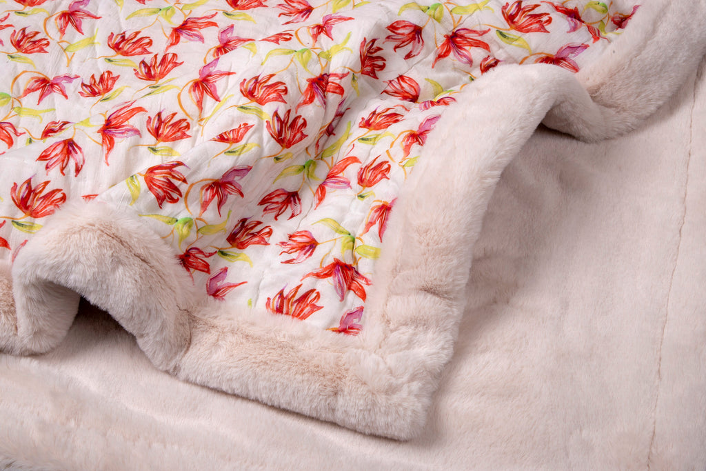 Weighted Faux Fur Quilt 124 White Red