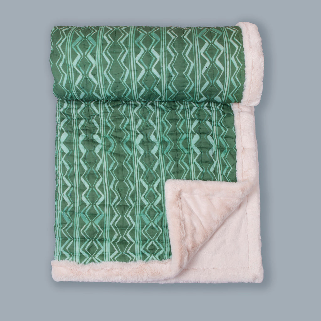 Weighted Faux Fur Quilt Colour Story Olive Green