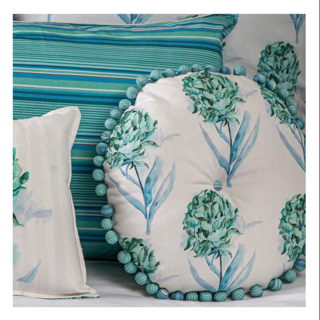 vVyom Bedding Set of 7 - Aqua & White Quilt and Cushions