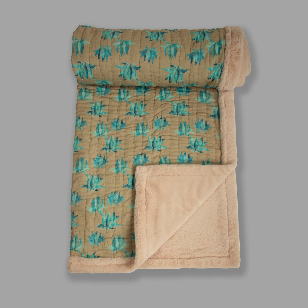 Weighted Faux Fur Quilt 119 Aqua Brown