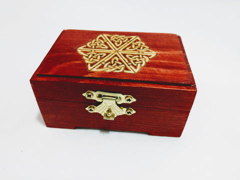 Small Celtic Knotwork Box - Hard Candy Woodshop