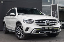 Load image into Gallery viewer, 【官方超值Demo车】2019 Mercedes-Benz GLC 200 Wagon,首付36100,月租低至1520