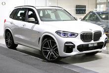 Load image into Gallery viewer, 【官方认证二手车】2018 BMW X5 M50D,首付79700,月租低至2189