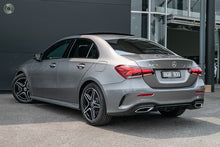 Load image into Gallery viewer, 【超值官方Demo车】2019 Mercedes-Benz A 200 Sedan,首付19000,月租低至1260
