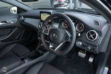 Load image into Gallery viewer, 【官方超值Demo车】2019 Mercedes-Benz GLA 250 Wagon,首付21200,月租低至1399