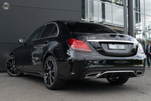 Load image into Gallery viewer, 【官方认证Demo车】2019 Mercedes-Benz C 200 Sedan,首付22100,月租低至1460