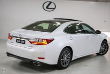 Load image into Gallery viewer, 【官方Demo车】2018 Lexus Es350 Sports Luxury GSV60R轿车,首付20500,月租低至1360