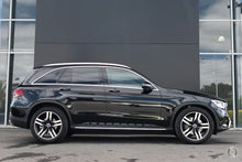 Load image into Gallery viewer, 【官方超值Demo车】2019 Mercedes-Benz GLC 300 Wagon,首付41100,月租低至1720